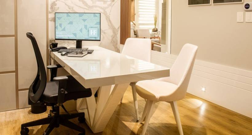 wyremontowane biuro w mieszkaniu